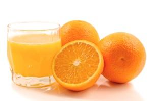 Suco de laranja com berinjela