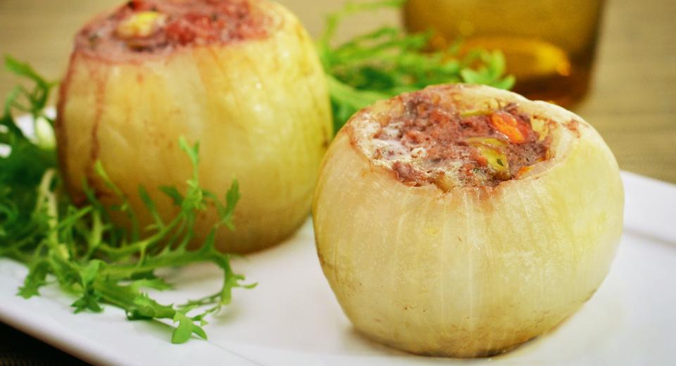 foto da receita Cebolas recheadas com carne moída