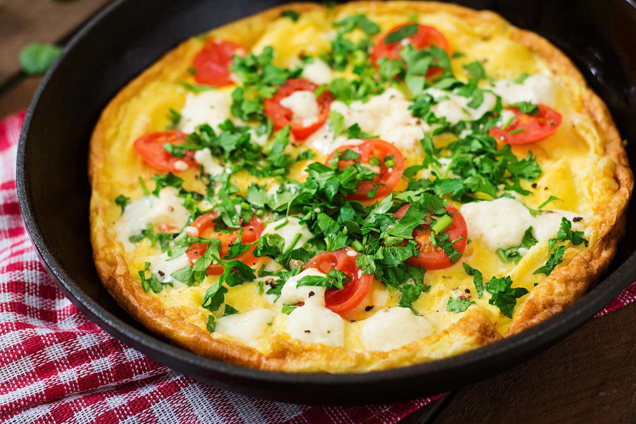 foto da receita Omelete de tomate com queijo minas