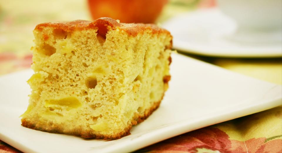 foto da receita Bolo de maçã com casca