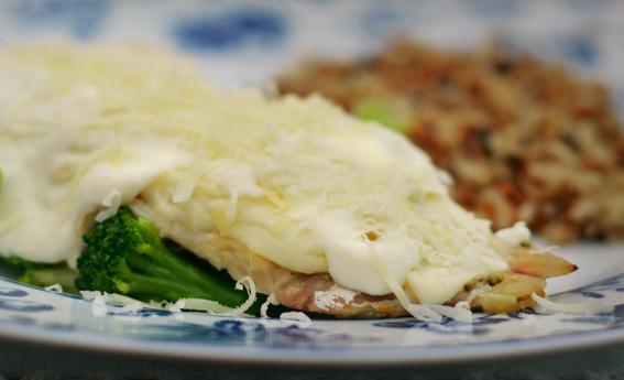 foto da receita Filé de peixe ao molho branco e brócolis