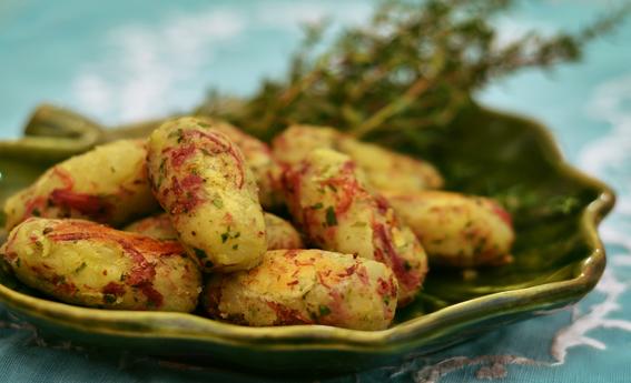 Croquete de carne seca com batata doce