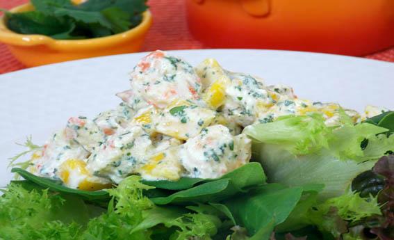 foto da receita Salada com camarão ao molho de iogurte