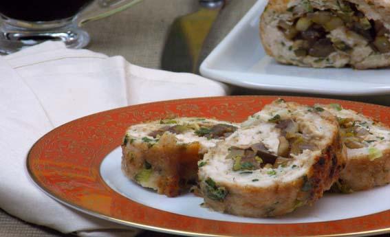 Rocambole de frango com legumes