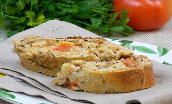 foto da receita Rocambole de atum e tomate