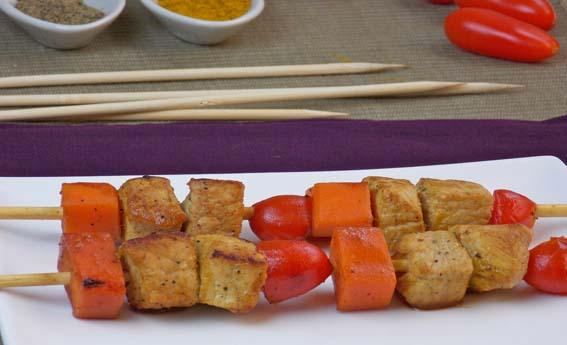 Espetinho de lombo com vegetais