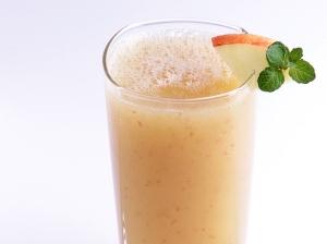 foto da receita Suco de abacaxi com maçã e laranja