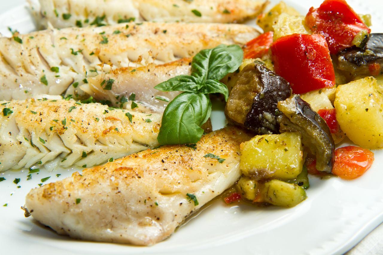 foto da receita Pescada com legumes