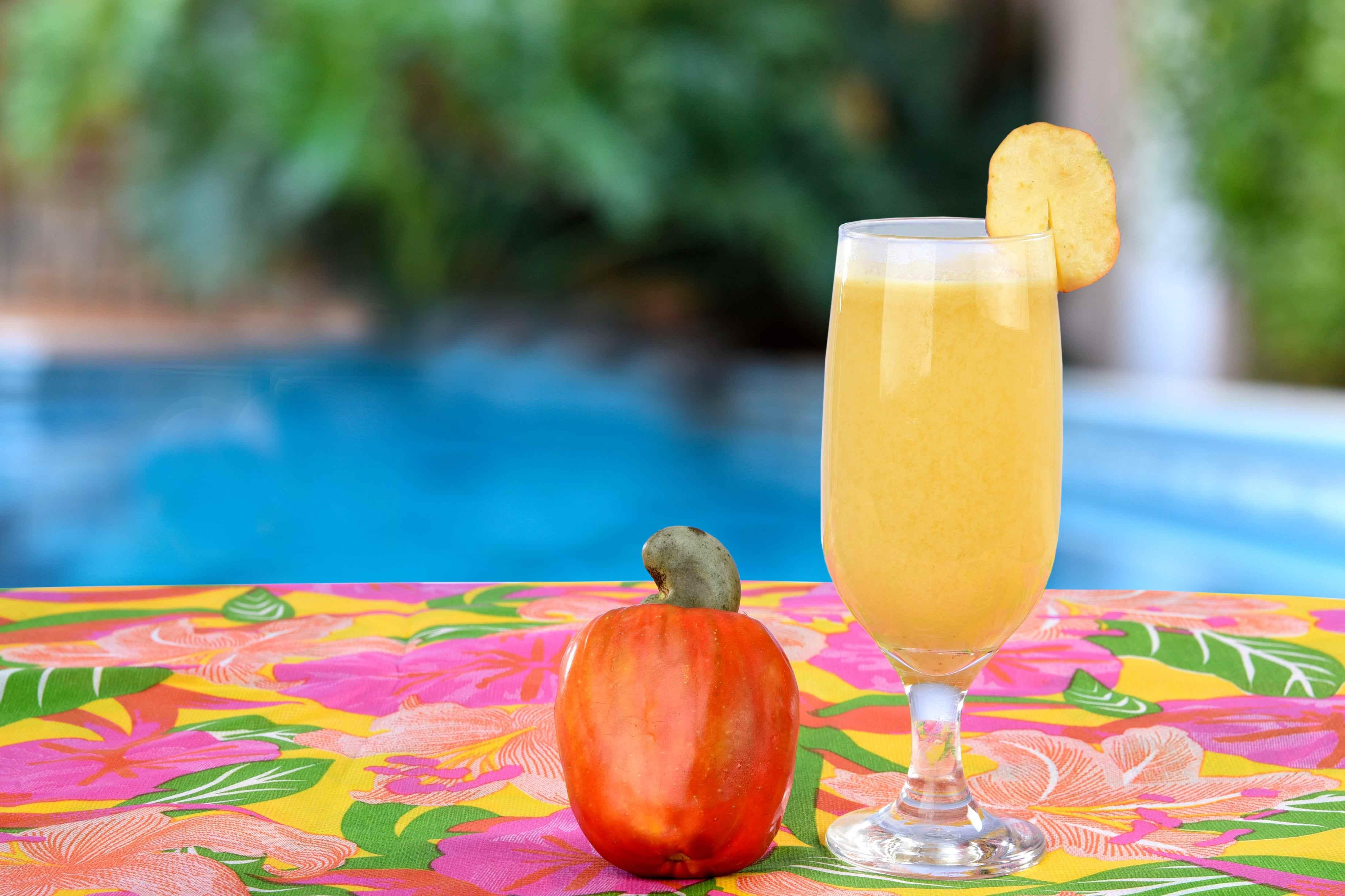 foto da receita Suco de caju e limão com toque de mel