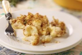 foto da receita Couve flor com molho de iogurte e castanhas