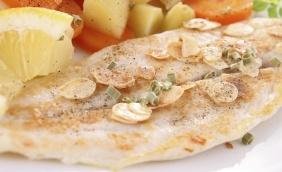 foto da receita Filé de pescada com castanha de caju
