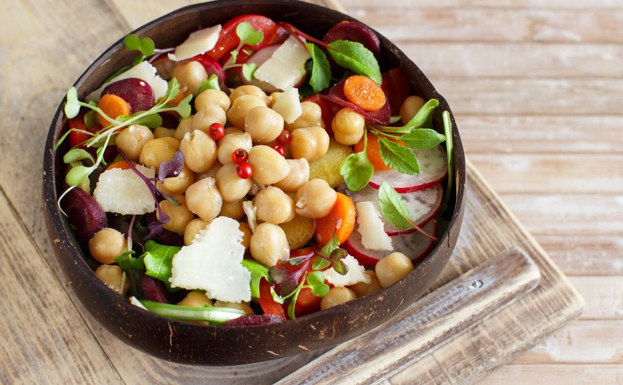 foto da receita Salada de grão de bico com sardinha
