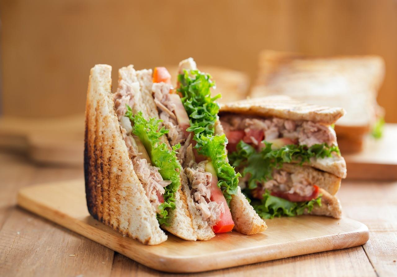 foto da receita Sanduíche clássico de atum
