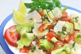 foto da receita Salada de legumes com abacate