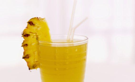 foto da receita Suco de abacaxi com hortelã e açúcar