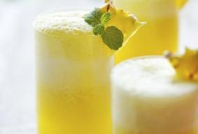 foto da receita Suco de abacaxi com hortelã