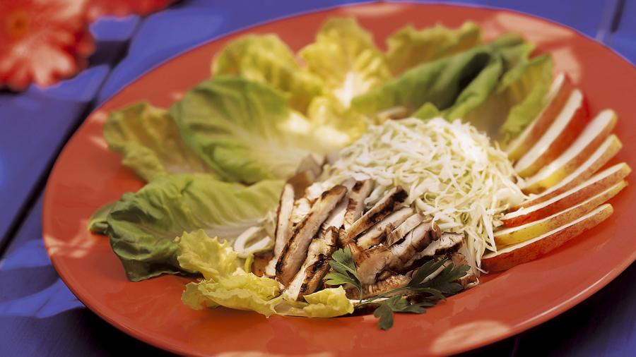 foto da receita Salada de maçã e peito de frango