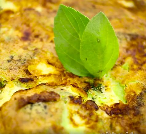 Omelete light de brócolis e queijo branco