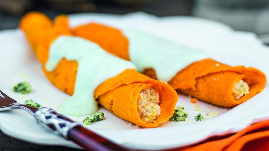 foto da receita Panqueca de cenoura recheada com frango