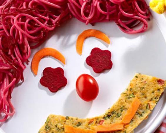foto da receita Bolo de frango com espaguete e vegetais