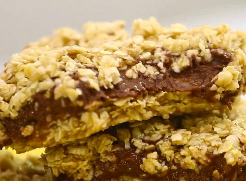 Barrinha de aveia com chocolate