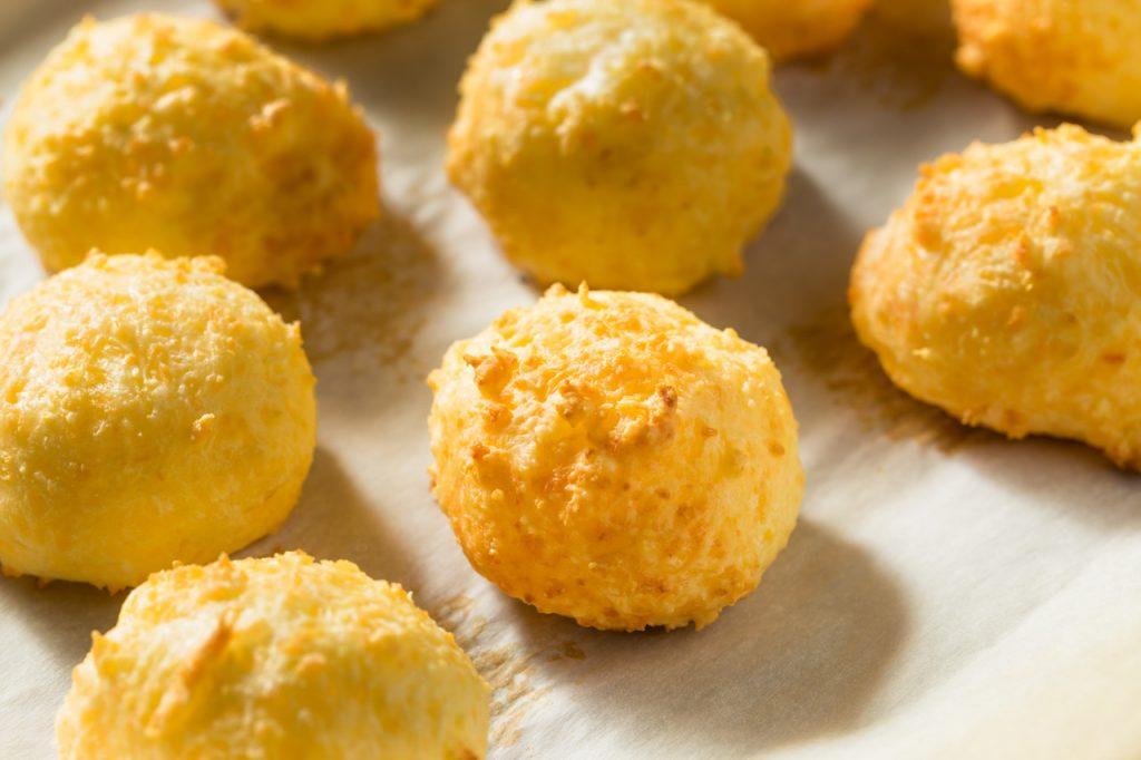 Receita de Pão de queijo low carb - Cuidaí Receitas