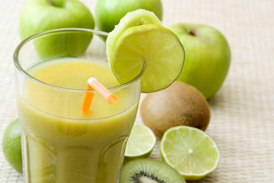 foto da receita Suco de kiwi com limão