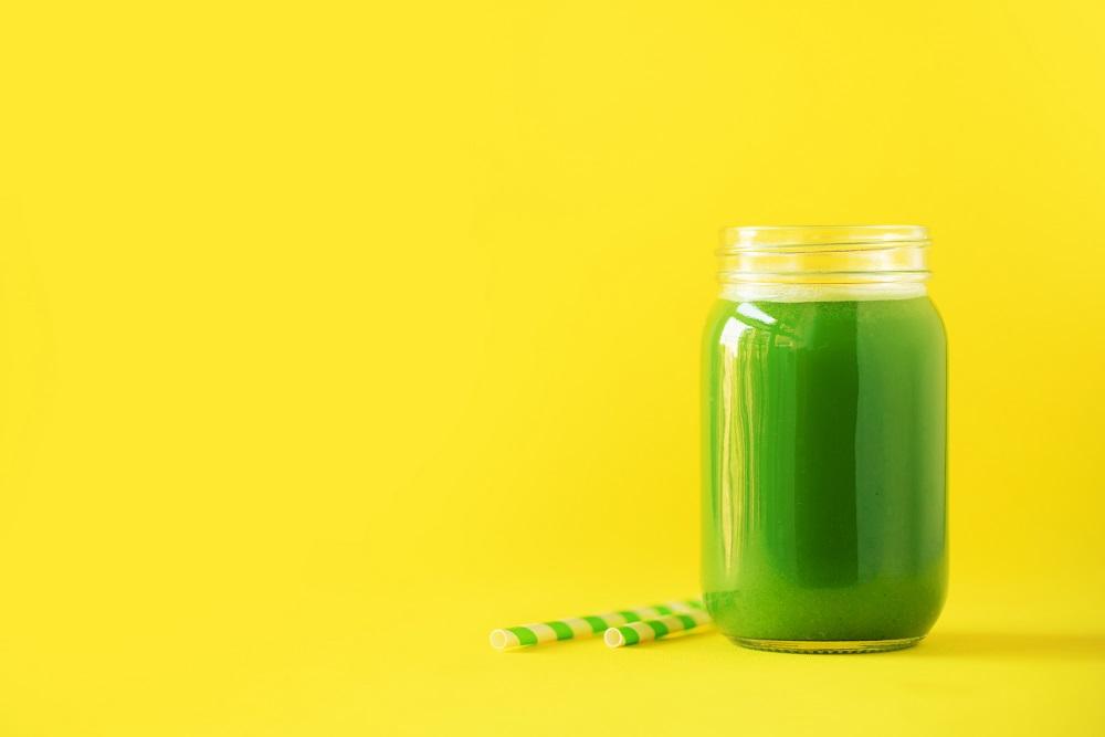 Suco detox (abacaxi/limão/gengibre)