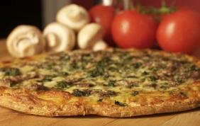 foto da receita Pizza de espinafre com champignon